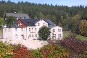 Gaststätte und Pension >>Staahaadler Aff<<